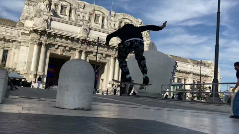 Milano Central Station Skate - Leonardo Thommen