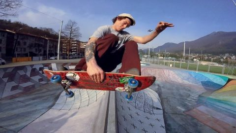 Mratino Cattaneo miniclip n.8 poorskateoarding Lugano - Poor skateboarding Channel