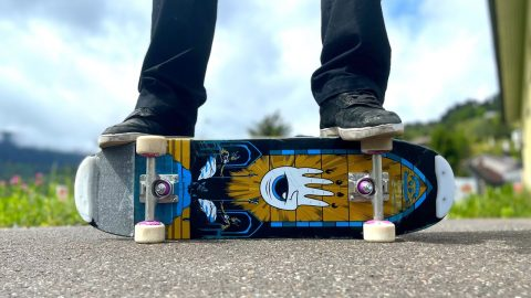 Skating a FREESTYLE SKATEBOARD for the first time! - Jonny Giger