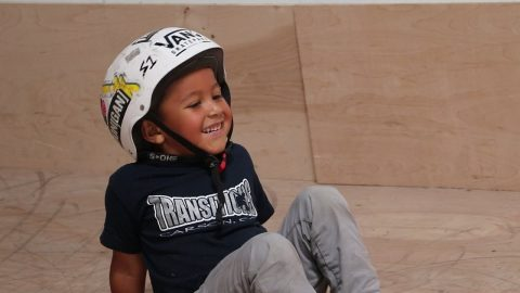 4 YEAR OLD SKATEBOARDER LEARNS A TRICK! - Braille Skateboarding