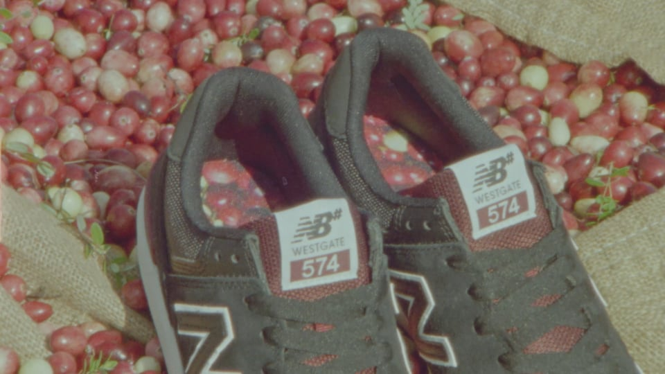 Westgate Cranberries 574 | New Balance Numeric