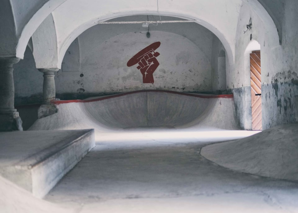 XMAS - GOTHIC BASEMENT RAW FILES | Nostalgia Skateboards