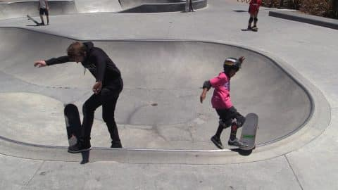 8 YEAR OLD SKATER TEACHES AARON A BOWL TRICK! - Braille Skateboarding