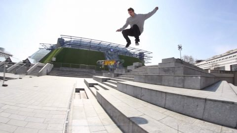 Adrien Bulard Switch Frontside Flip Bercy B-Side - LeSiteDuSkateboard Videos