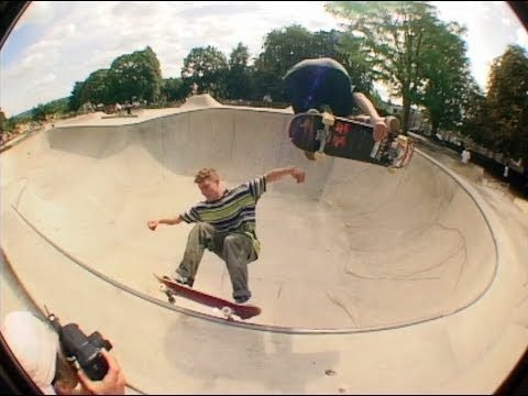 'Community' Part 2 - Bristol skateboarding by James Harris. - Sidewalk Mag