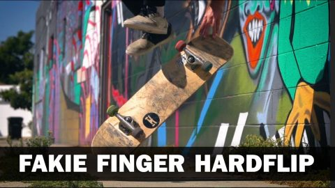 Fakie Finger Hardflip: Sto Strouss || ShortSided - Brett Novak