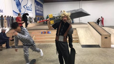 HALLOWEEN IN THE BRAILLE HOUSE TRICK CONTEST! - Braille Skateboarding