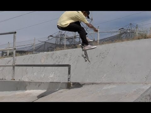Jordan Maxham bs Smith Kickflip Pop Over Raw Uncut - E. Clavel