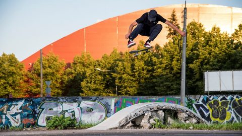 Juju & Hirsch in Baltics | ANTIZ SKATEBOARDS