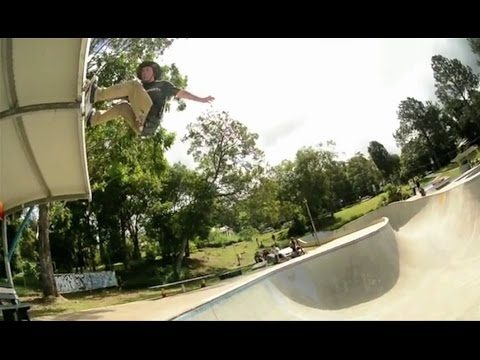 MASSIVE 10ft Fs Air to Roof Bash Out Of Huge Bowl!!?! - WTF! - Kevin Kowalski - Metro Skateboarding
