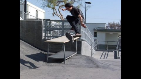 Micky Papa Smith Kickflip Raw Cut | E. Clavel