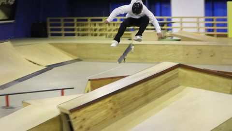 ONE OF THE BEST SKATERS IN JAPAN! - Luis Mora