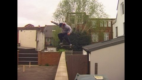PEOPLE MOVE WITH THEIR HANDS | Vague Skate Mag