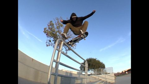 Sierra Fellers fs Shuv Raw Cut | E. Clavel