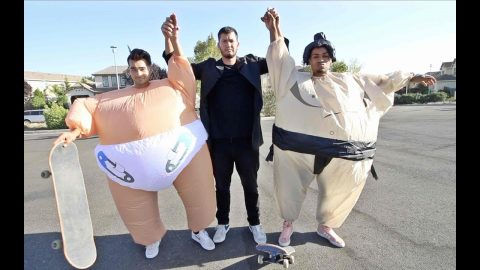 Sumo Game of S.K.A.T.E - LamontHoltTV