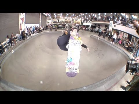 Vans Girls Combi Pool Classic 2018 - TransWorld SKATEboarding